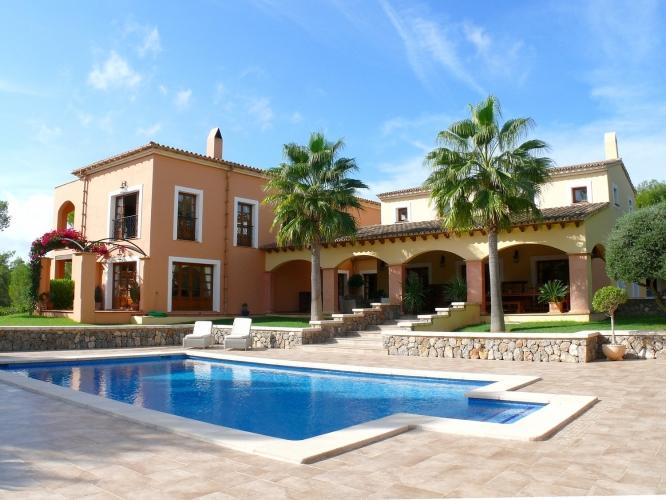 Прекрасная вилла 575 м² с бассейном на острове Майорка